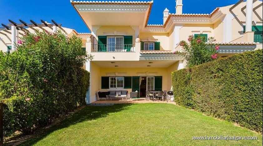 Villa de 3 dormitorios con vista al golf situada en quinta do lago resort