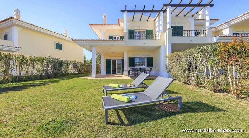 Villa de 3 dormitorios situada en quinta do lago resort