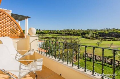 Villa de 3 dormitorios con vista al golf situada en quinta do lago resort - 1
