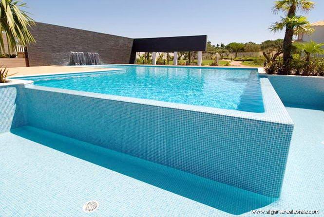 Villas da quinta propiedades de lujo en condominio - Condominio con piscina milano ...